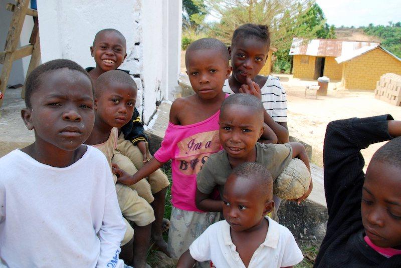 Mejora de instalaciones escolares en RD Congo